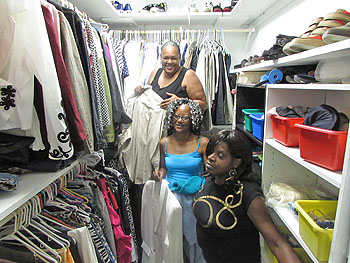 forever-living-clothes-closet_unews_sept-img_3447