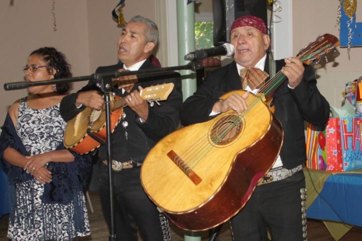 Mariachi-fiesta-tapatia
