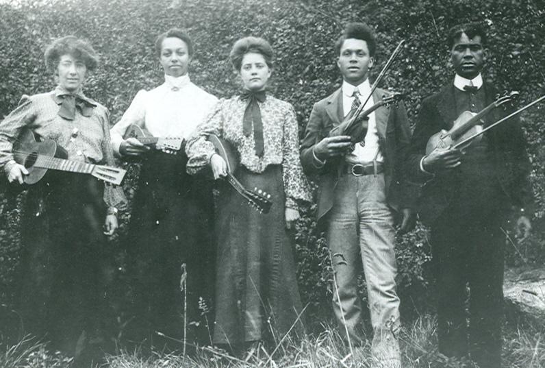 black stringband circa 1900